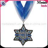 中国の工場光沢がある銀製のカスタム雪片のきらめきメダル
