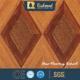 revestimento resistente V-Grooved de Laminbated da água da noz da textura do Woodgrain de 12.3mm