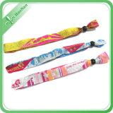 Цветастой Wristband случая полиэфира празднества сплетенный тканью
