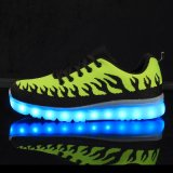 Scarpa da tennis chiara luminosa dei pattini di colore LED del pattino 2016 durevoli di sport
