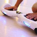 De zelf In evenwicht brengende Autoped Hoverboard hangt Raad