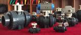 Válvula de esfera do PVC com a união para o atuador