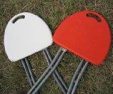 De draagbare het Vastklemmen Witte/Rode Plastic Vouwende Vouwbare Stoelen van de Kruk Outerdoor