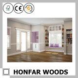 Modanatura di legno decorativo della parte superiore del soffitto popolare