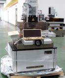 Pequeña perforación del agujero del CNC EDM (BMD703-400CNC)