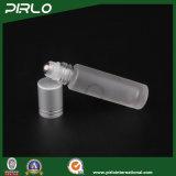 rullo di vetro glassato 10ml sulla bottiglia con il rullo del metallo e la protezione dell'argento