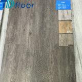 Plancher de luxe de Lvt de planche de vinyle de vente chaude imperméable à l'eau de configuration en bois de chêne