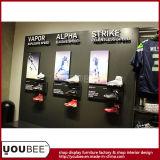 Exhibición de la tienda de la ropa de deportes, exhibición al por menor del desgaste de los deportes de la fábrica
