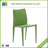 椅子(シンシア)を食事するプラスチック家具の製造白いPP