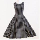 衣類製造のRockabillyの黒い格子縞の完全な円の女性の夕方のパーティー向きのドレス