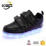 Ботинки малышей с СИД освещают ботинки способа USB поручая проблескивая идущие