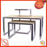Juego de mesas de metal y madera