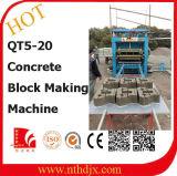 Bloco semiautomático do tijolo que faz a linha de produção da máquina