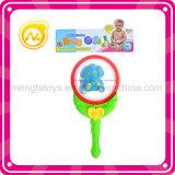 Baby-Geklapper-Spielwaren in den Baby-Geklapper