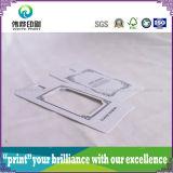 Évider l'étiquette de papier gravante en relief à l'extérieur de coup d'impression