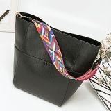 Le sac 2017 de main de femmes de sac d'emballage de Madame Leather de mode d'OEM stigmatise le sac à main de sacs avec la courroie colorée Emg5010