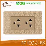 Soquete elétrico de venda quente do carregador do USB de 2 maneiras de Klass