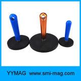 ハンドルが付いているゴム製上塗を施してある円形の磁石、