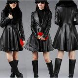 黒い伸縮性があり、柔らかいPUの衣服の革