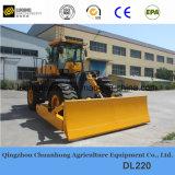 Il movimento terra lavora il bulldozer alla macchina della grande rotella