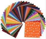 Le tissu assorti de feutre de couleur couvre le rapiéçage cousant le métier 20*30cm de DIY