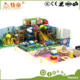 O estilo interno macio da floresta do campo de jogos do vaqueiro brinca o jardim de infância