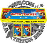 Schwarzer Armkreuz-Abgleichung-Cracker mit Sicherung-Feuerwerken