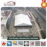 Grande extensão do espaço livre da barraca da exposição na exposição hortícola