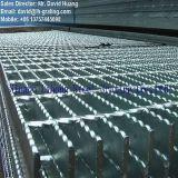 Горячий DIP гальванизировал Serrated стальную решетку для платформы индустрии