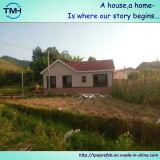 Kleines vorfabriziertes Landhaus