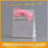 Seul sac de papier de cadeau de bijou