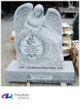 백색 색깔 앉는 천사에 의하여 새겨지는 화강암 기념물, 묘석