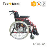 Swing Away Footrest를 가진 Topmedi Alumium Folding Manual Wheelchair