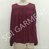 Chemisier confortable de mode de chemise de femmes long avec le lacet de coton (BL-37)
