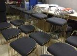Collegare accatastabile del ristorante del metallo che pranza la mobilia degli sgabelli di barra