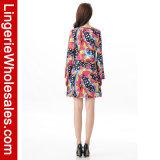 Regenbogen der reizvollen Frauen recht im Inner-Muster-lange Hülsen-Minikleid