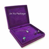 Boîte de présentation pourprée d'emballage de bijou de cadeau de papier de carton du tissu Jy-Jb168