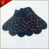 Estilo por encargo de la manera del diseño del OEM del calcetín del regalo del hombre