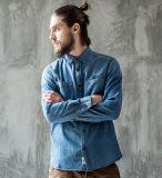 Весны высокого качества способа людей отдыха самой последней классицистической рубашка джинсыов голубых тонкая