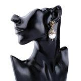 De nieuwe Eenvoudige Retro Legering Ingelegde Juwelen van de Manier van het Ontwerp van de Oorringen van de Parel Vrouwelijke Dierlijke