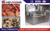 Verdrängtes vegetarisches Fleisch, das Maschine herstellt