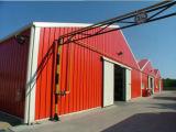 鉄骨構造の屋根、鋼鉄プレハブの屋根