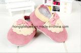 Fshionの赤いタイパターン: 革赤ん坊靴