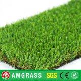 Grama artificial do futebol e grama da paisagem com alta qualidade
