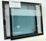 O calor endurecido de /Tempered/ reforça o vidro isolado