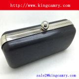 財布のクラッチフレームかイブニング・バッグフレームまたはボックスクラッチフレーム