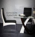 Moderner spezieller Form-Entwurfs-Glastisch mit glänzendem Farbanstrich