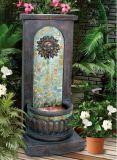 Реальный фонтан пола камня и смолаы