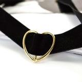 Collier noir de foulard de brin de velours de suède pour des femmes