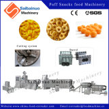 Fabricação do alimento dos petiscos que faz a máquina